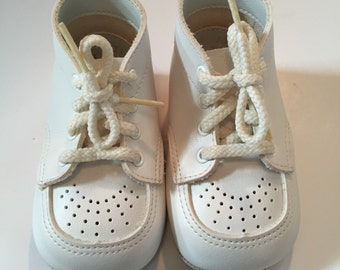 Boy's or Girls Vintage White Baby Shoes - Size 2 - Vintage Baby Shoes - Vintage Saddle Shoes - Vintage Boys Shoes - Vintage Girls Shoes