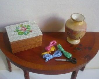 Dollhouse miniature box with needlepoint lid