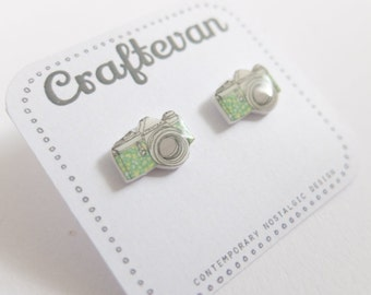 Camera stud earrings