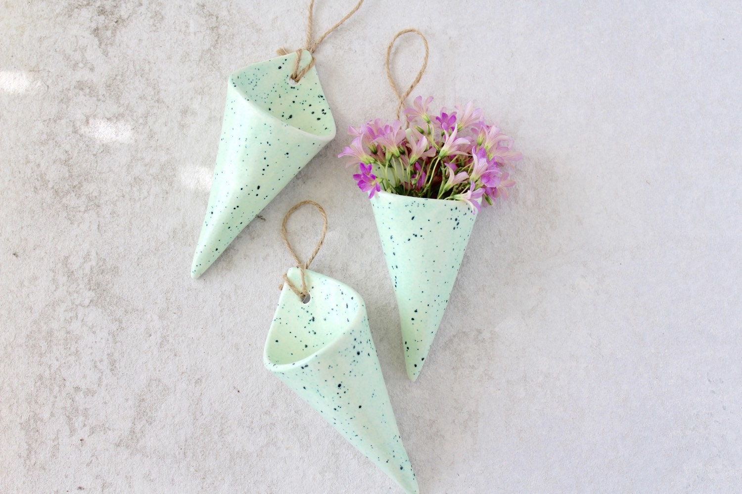 Wall Cone - Speckled Mint