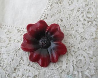 Retro poppy brooch
