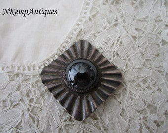 Vintage glass brooch 1950's