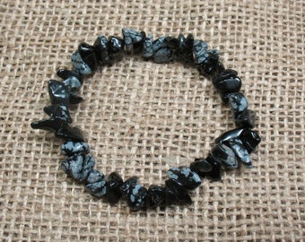 "Snowflake Obsidian Chip Stretch Bracelet - 6.5"" - Item BR007"
