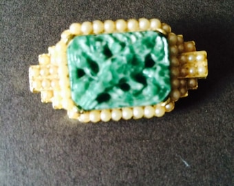 VINTAGE BROOCH Jade Colour Stone Faux Pearl signed Exquistie