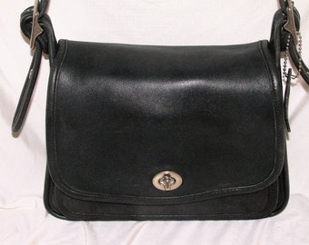 Classic Vintage Coach Legacy Black Leather Small Flap Cross-body Bag Purse