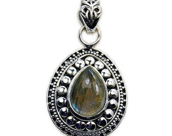 Labradorite & .925 Sterling Silver Pendant , AA794
