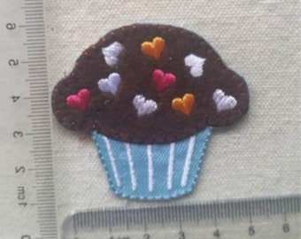Wholesale lot  - 10pcs  Embroidered heart topping cupcake  Applique Iron On Patch DIY Sewing knitting suppies 6cm