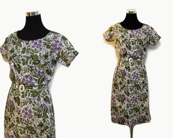 Wiggle Dress /Vintage 50s Fitted Dress S / 50s Floral Print Dress Purple Celluloid Buckle
