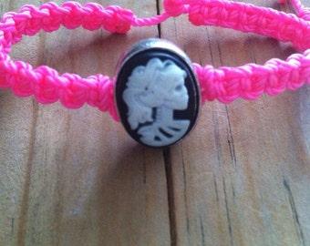 Lady skull bracelet. Calavera bracelet.  Skull bracelet. Dia de muertos bracelet. String bracelet. Choose your color.