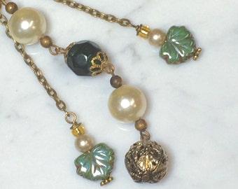 Green Leaf Dangle Necklace