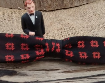 Vintage Royal Bow Tie: Orange and Black Clip On