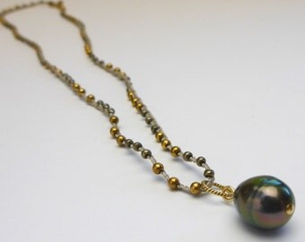 Tahitian Pearl Necklace // Crocheted Beaded Necklace // Glass Bead Necklace // Minimalist Necklace