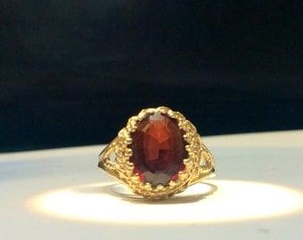 14k Vintage Retro Era Garnet Ring.