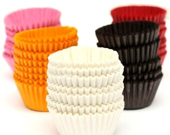 50 x White Mini Cupcake Wrappers * Ideal For Easter, Halloween & Christmas Decoration Paper.  Cake Liner Cases
