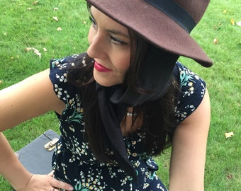 Womens fedora with fantastic wrap!