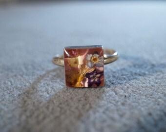 Vintage Sterling Silver Lucite Encased 4 Genuine Flower Fancy Band Ring, Size 7 Adjustable    **RL