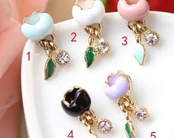 10 pcs of antique gold  magnolia lily magnolia flower charm pendants 20x10mm
