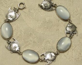 Adorable vintage retro nicely detailed sterling silver tropical angel fish moonstone glass cabochon link bracelet