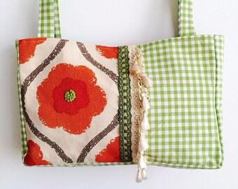 Hanmade bag in fushia pink textured velvet fabric, fairisle wool and bird applique