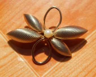 Faux Gold and Pearl Pin -  with scarf loop