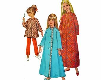 1960s Childrens Vintage Sewing Pattern / Girls Robe & Pajamas Pattern Childs House Coat Pattern Simplicity 7371 Size 4 Girls Pajamas Pattern