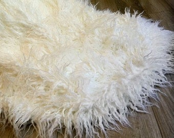 "50""x60"" Ivory or taupe faux fur throw, Newborn Posing fur, curly faux fur, newborn posing prop, posing fur, curly alpaca faux fur throw"