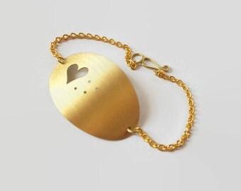 Handmade brass oval bracelet.Brass chain.