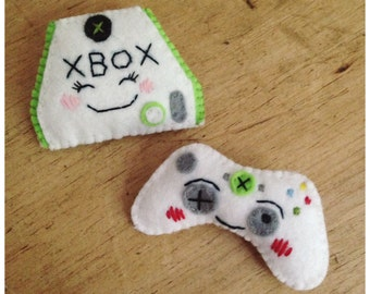 Xbox & Gaming Controller Felt Brooch