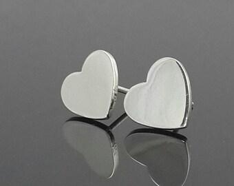 925 Sterling silver stud heart earrings