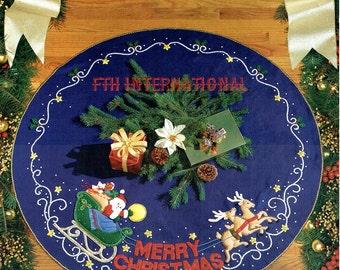 """Bucilla Merry Christmas ~ 43"""" Felt Tree Skirt Kit #83019 Santa Sleigh Reindeer DIY"""