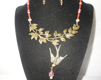 Gorgeous Corals Pearls Leaf Bird Necklace******.