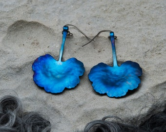 Titanium earrings, geranium