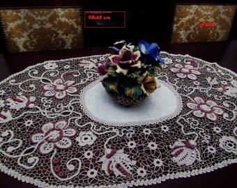 crochet centerpiece 98 cm x 62 cm.