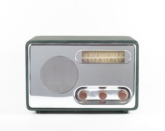 Detrola Tube Table Radio in Chrome and Forest Green Tolex (Operational!)