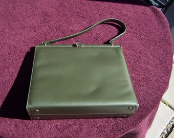 "Andrew Geller green vintage purse, 10"" wide"