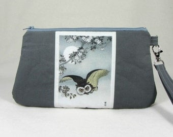 Owl zipper pouch,  zipper wristlet, owl pouch, gift for her, wristlet clutch, grey clutch