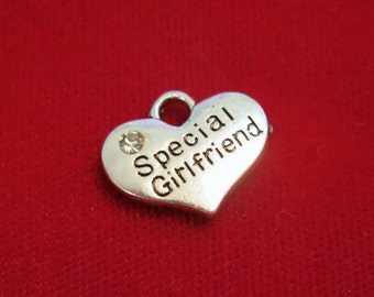 """5pc """"Special girlfriend"""" charms in antique silver style (BC784)"""