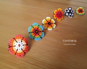 Handmade Beaded Rings - Huichol Art - Made in Mexico - Jewelry - Romea Accessories - Colors - Chaquiras - Flower