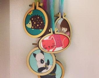 Kids mini embroidery hoop necklace. Cute girls pendants. Hedgehog, cat, Belle & Boo.