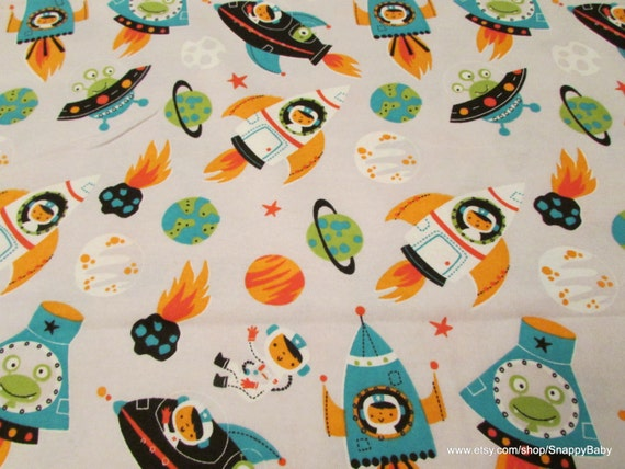 Flannel fabric space men and aliens by the yard 100 for Space flannel fabric