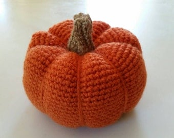 Crochet pumpkin with jute stem