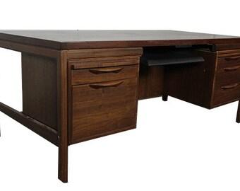 Jens Risom Walnut Veneer Double Pedestal Desk