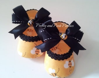 10 Adorable Little Bumble Bee Paper Shoe Favor Boxes