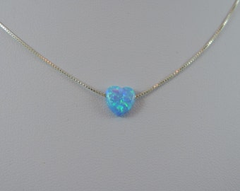 Blue opal Hearton silver (925) chain.
