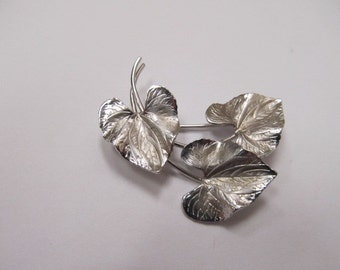 Vintage Sterling Silver Triple Leaf Pin Item W # 334