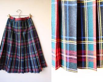 vintage 1990s plaid tartan wool pleated school girl skirt