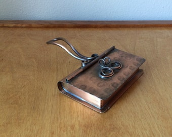 Silent Butler Copper Crumb Tray with Lid and Handle - From Gregorian