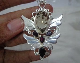 Silver pendent having nice look