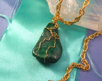 Wire Wrapped Vintage  Malachite 18k Gold Wire Wrapped Pendant Necklace  Gold Filled Chain 23 Inches