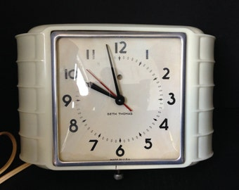 Art Deco Seth Thomas Electric Kitchen Clock, Working